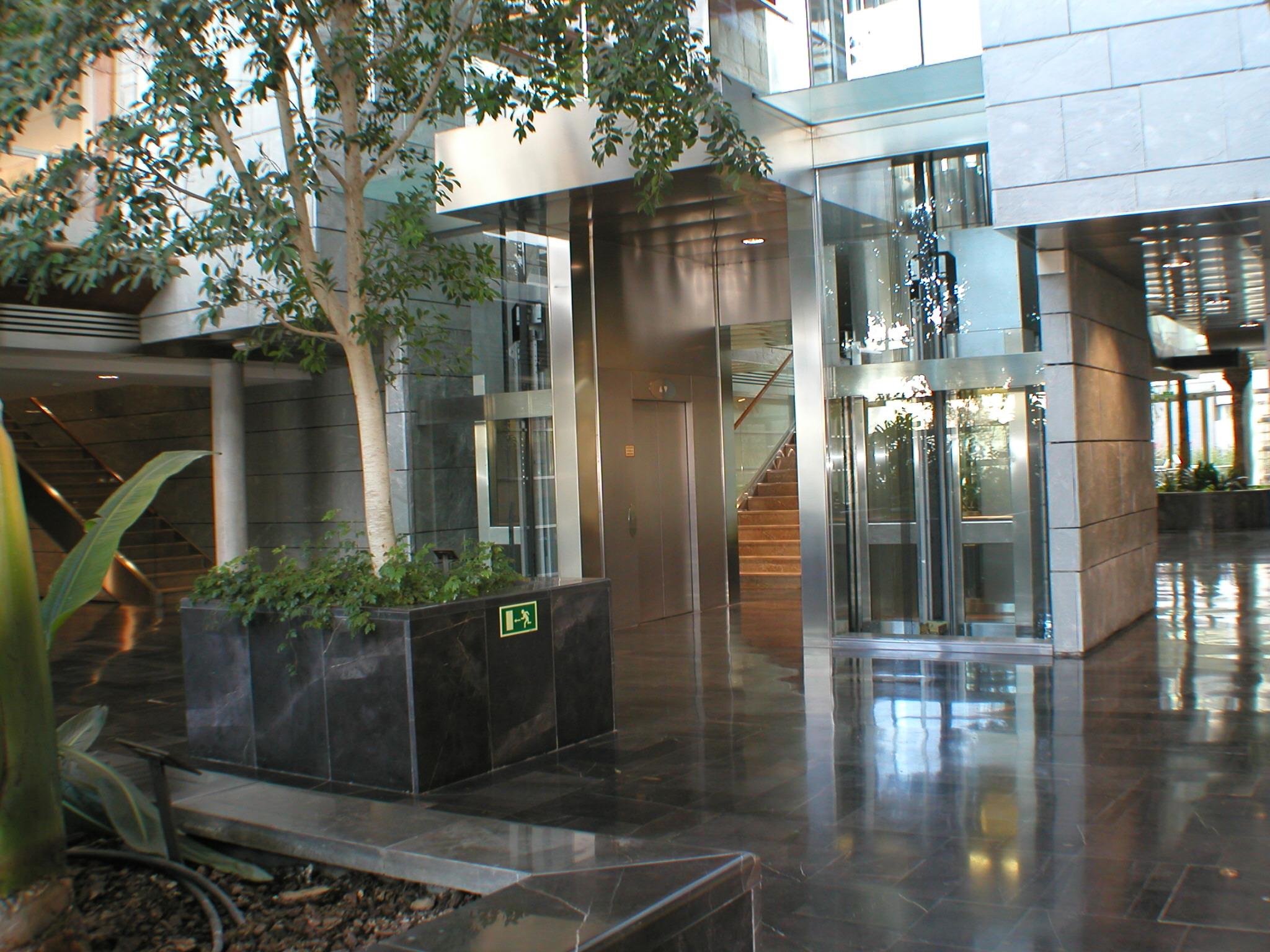 Sanitas convocatoria de junta general de accionistas de for Sanitas tarragona oficinas