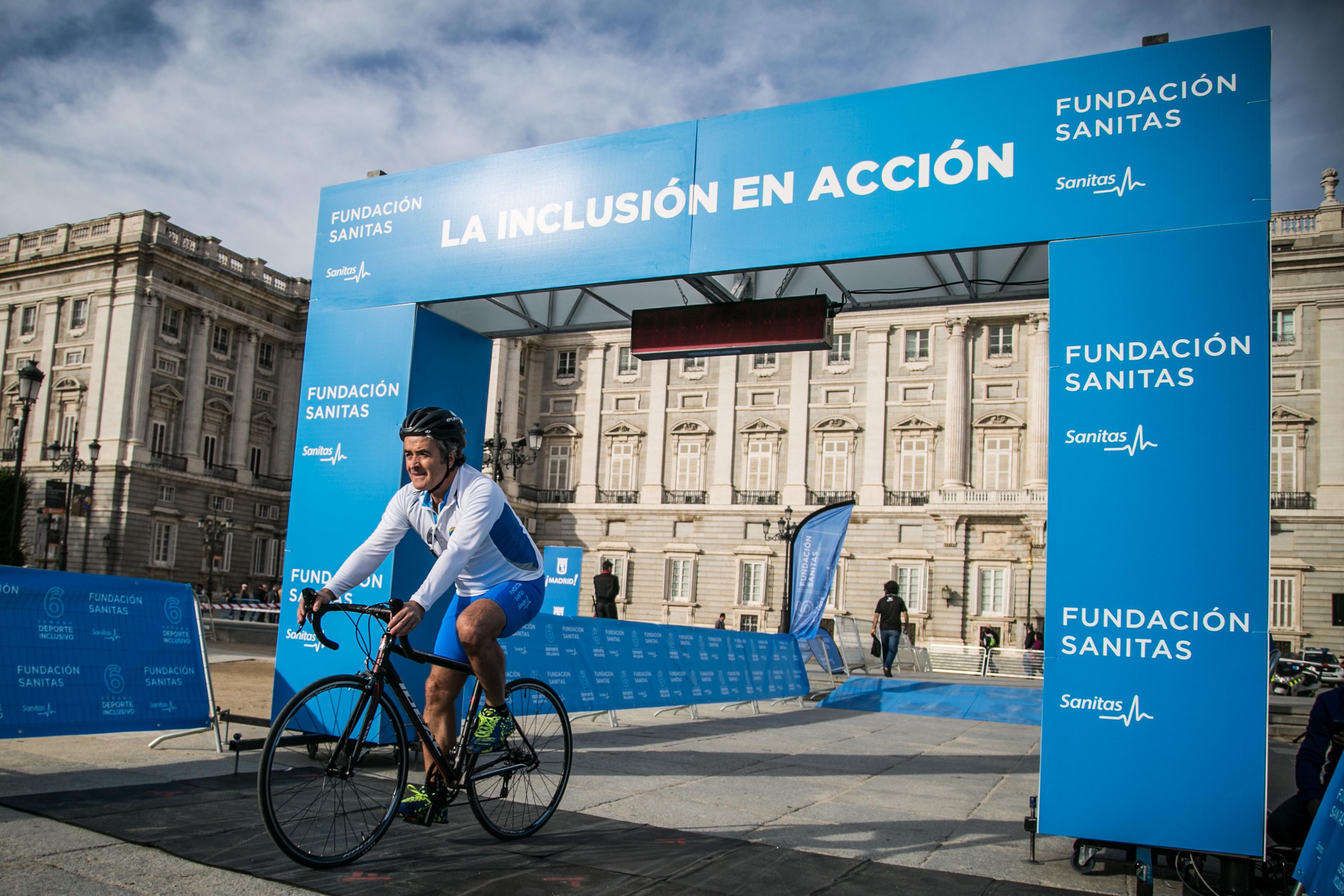 Los participantes en la cronoescalada de la VI Semana del Deporte Inclusivo de la Fundación Sanitas