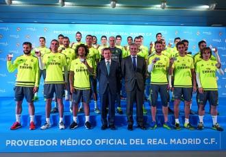Entrega de tarjetas Sanitas - Real Madrid.
